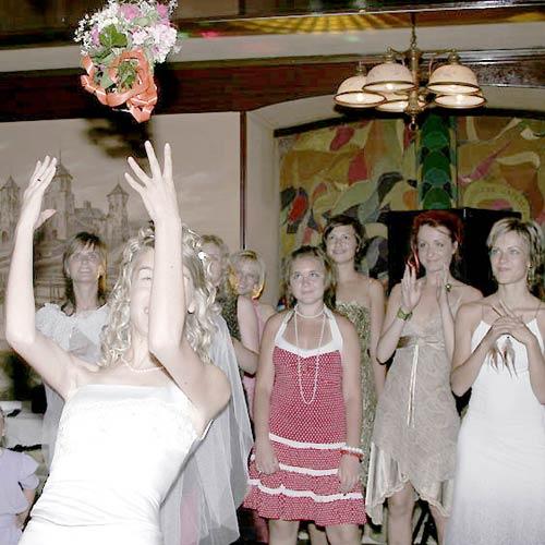 Примета букет невесты поймать