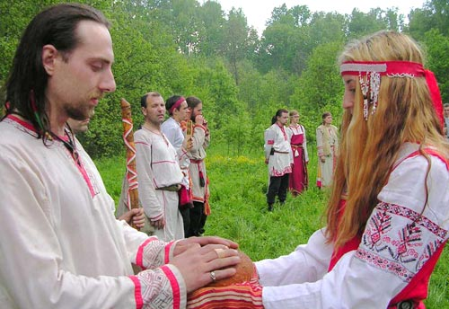 Ярила Вешний - пора свадеб. Народные поверья в свадебной обрядности.
