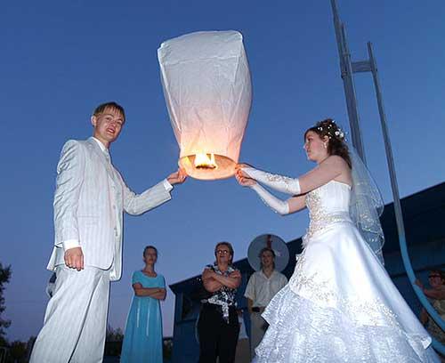 В продаже появились небесные фонарики.есть разные цвета,ждем ваших...