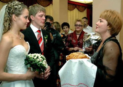 Хлеб-соль на свадьбе